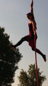 Une fée dans les airs