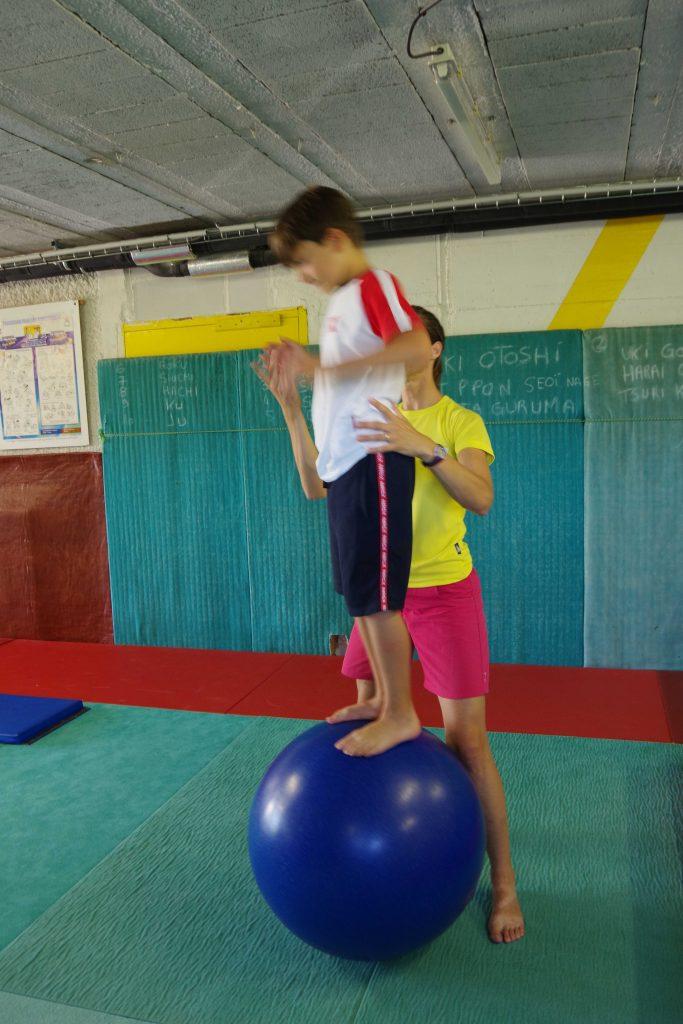 initiation stage cirque centre de loisirs