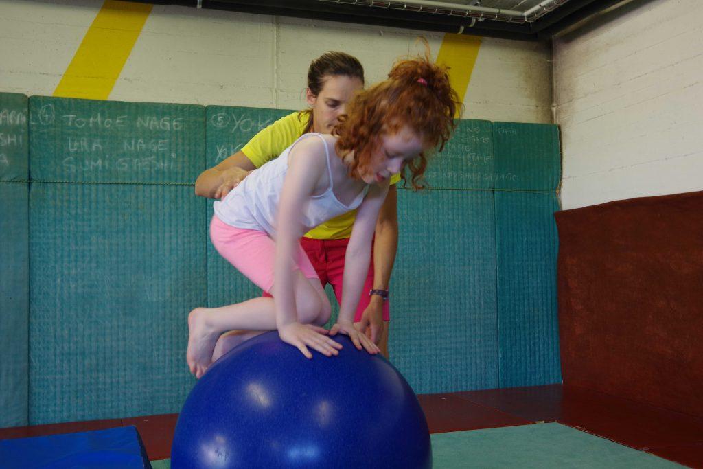 CIrque_VIllette_Fleur_ambérieu_meximieux_bourg_cours cirque_stage cirque_école cirque